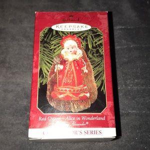Vintage hallmark keepsake ornament Red Queen 👑